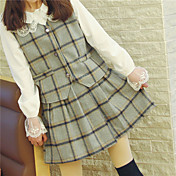 魅力的な女の子野生のレトロな英国の格子縞のスカートスーツベスト+底打ち本物のショット