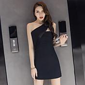 実際に2017年夏の新しいセクシーなホルターネックのドレススリム薄い黒のドレス斜めた作り