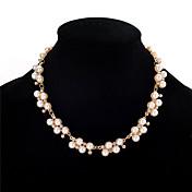ネックレス 人造真珠 ラインストーン チョーカー カラー ジュエリー 結婚式 パーティー 誕生日 婚約 円形 幾何学形 ユニーク 幾何学形 人造真珠 ファッション 合金 人造真珠 ラインストーン 1個 ギフト ゴールデン クリア ホワイト