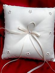 ホワイト サテン リボン/人造真珠付き ウェディングリングピロー