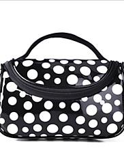 Patent Leather Dot Pattern kosmetická taška