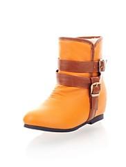 利用可能な女性の靴バックルより多くの色を持つ丸いつま先ウェッジヒールのアンクルブーツ