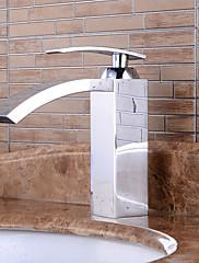 現代的なスタイルのシングルハンドルの滝の浴室のシンクの蛇口バスルームシンクの蛇口