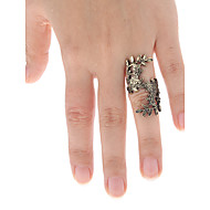 Vintage Palace Style Carving Flower Hollow Ring
