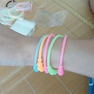 (3pc) schöne Mode fluoreszierende Farbe Silikon Armband (Farbe zufällig) strecken