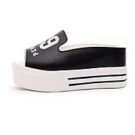 Women's Shoes Leatherette Platform Platform / Flip Flops Clogs & Mules / Slippers Outdoor / Casual Black / White