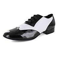 Customizable Men's Dance Shoes Leatherette Leatherette Modern Flats Flat Heel Practice Black / White