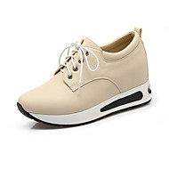 Women's Shoes Platform Comfort Fashion Sneakers Outdoor / Office & Career / Dress Black / White / Almond