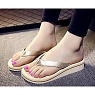 Naiset Kengät PU Kevät Comfort Tossut & varvastossut Käyttötarkoitus Kausaliteetti Kulta Musta Hopea