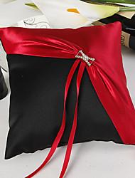 classique rouge et noir oreiller anneau de mariage