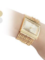 Frauen modische Diamant-Legierung Stil Analog Quarz Armband Armbanduhr (gold)