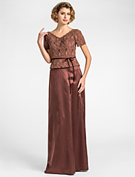 Sheath/Column Plus Sizes / Petite Mother of the Bride Dress - Chocolate Floor-length Short Sleeve Lace / Stretch Satin