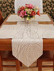 Classic Polyester Earth Print Geometric Table Runners
