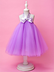 A-line / Ball Gown Knee-length Flower Girl Dress - Tulle Sleeveless Halter with Bow(s) / Draping / Crystal Brooch