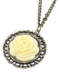 Antique acrylique d'alliage de cuivre Vintage Rose Collier avec pendentif