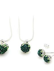 conjunto de jóias (2 colares e um par de brincos)