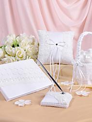 flores de primavera que casan la colección diseñada situado en raso blanco y encajes (4 piezas)