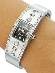 Mulheres Relógio de Moda Quartz Banda Brilhante / Bracelete Prata marca-
