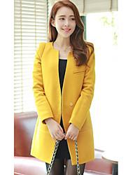 Manteau élégant de la femme