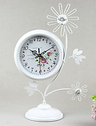"18""Country Type White Metal Analog Tabletop Clock"