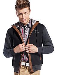 chaqueta de corte y empalme de la moda de los hombres