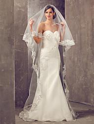 Un palier cathédrale voile de mariage avec le bord Applique