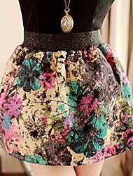 Flor de la vendimia de la falda del patrón de la Mujer