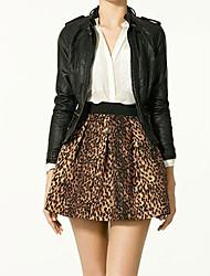 Atractiva de las mujeres falda de cintura alta