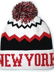 Pompom Beanie avec la rayure Knited Cap Keep Warm acrylique souple Tuque Bonnet à pompon Taille unique blanc avec le noir de New York