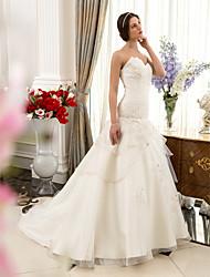 A-line/Princess Plus Sizes Wedding Dress - Ivory Court Train Sweetheart Organza