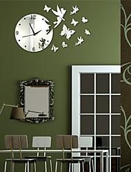"""19.75 """"H Modern Style Winkel Spiegel Schmetterling Wanduhr"""