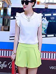 Loisirs col rond à volants Costumes HUI femmes (T-shirt et le pantalon court) Ykt # 8550 Blanc