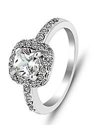CZ verde del vintage Forme el anillo de esmeralda Anillos de cada día ocasional 2014 verde de la joyería de la CZ de señora Silver Ring