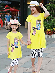Family's Casual Carton Print Parentage Clothes