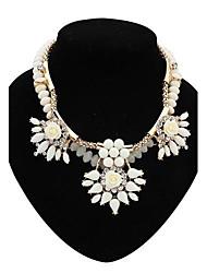 fleur de mode de collier de diamants de dossard des femmes