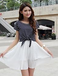 Frauen Chiffon Plissee Tank Dress & Striped T-Shirt