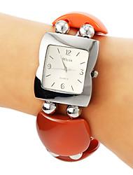 plastique de style carré de la montre bracelet bande de quartz des femmes