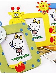 "10 x Lovely Mini Wooden Photo Frame Photo Size 1.8"" x 1.8"" (Random Color)"