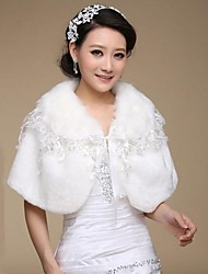 Fur Wraps / Wedding  Wraps Capelets Sleeveless Faux Fur White Wedding / Party/Evening Lace
