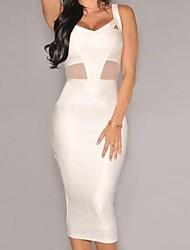 couro sintético branco vestido de malha midi sotaque das mulheres