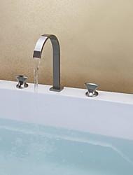 zeitgenössische Nickel gebürstet fünf Löchern drei Griffe Wasserfall Badewanne Wasserhahn mit Handbrause