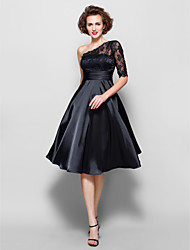 A-line Plus Sizes Mother of the Bride Dress - Black Knee-length Half Sleeve Lace/Stretch Satin