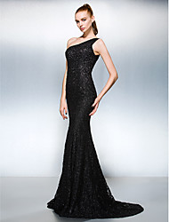 TS Couture® Formal Evening Dress Plus Size / Petite Sheath / Column One Shoulder Court Train Lace with Beading