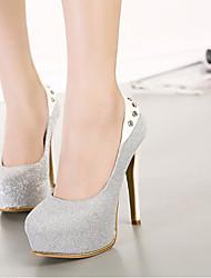 Schuh zeigt Damenschuhe spitz Pfennigabsatz Pumpen