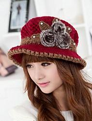 la mode en plein air à la main en laine double tricot cap des femmes avec trois billes pour âge moyen