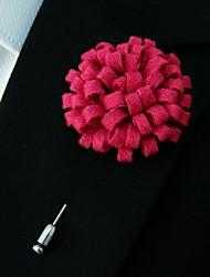 main laine rose foncé des hommes mêle fleurs de revers boutonnière