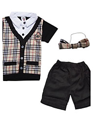 Boy's Collar Short Sleeve T-Shirt And Shorts Clothing Set(Including Bow Tie)