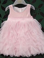 la mode de la robe sans manches col rond élégance mignon d'enfant morveux