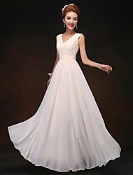 Floor-length Chiffon Lace-up Bridesmaid Dress - Sheath / Column V-neck with Lace