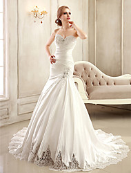 Mermaid / Trumpet Strapless Sweetheart Chapel Train Satin Wedding Dress with Beading Appliques Side-Draped